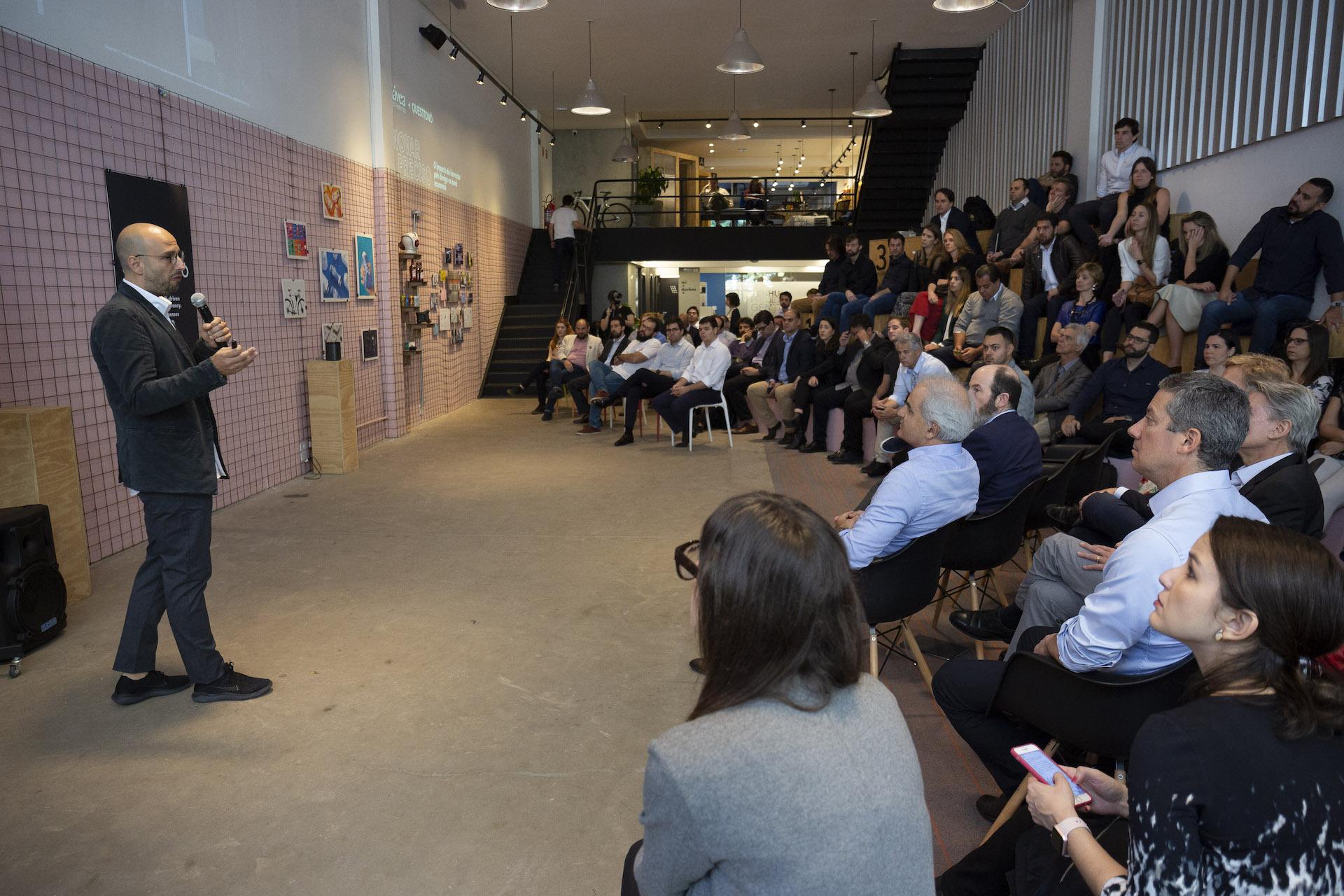 são paulo - sp 13 ago 2019 palestra de leonardo massareli, cco da questtonó, no evento inovar é preciso na sede da questtonó, no bairro pompeia, em são paulo. crédito joyce cury